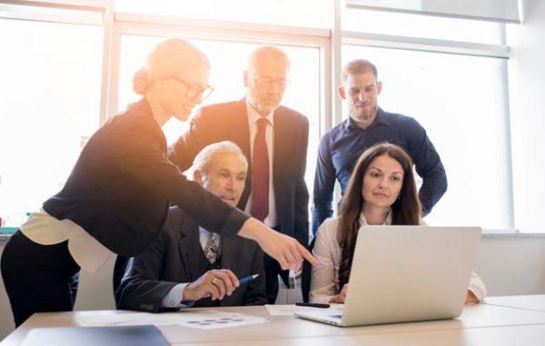 personas-trabajando-en-equipo